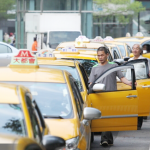 交通運費跌漲不民粹