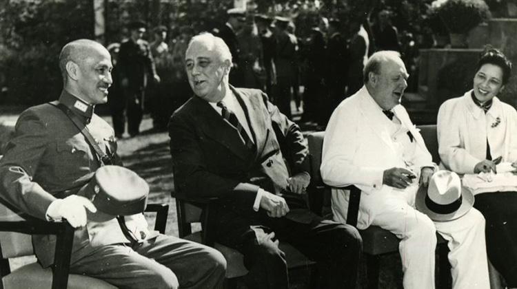 連戰表示「中共牽制抗戰敵後戰場」 毛澤東:不要到前線充當抗日英雄