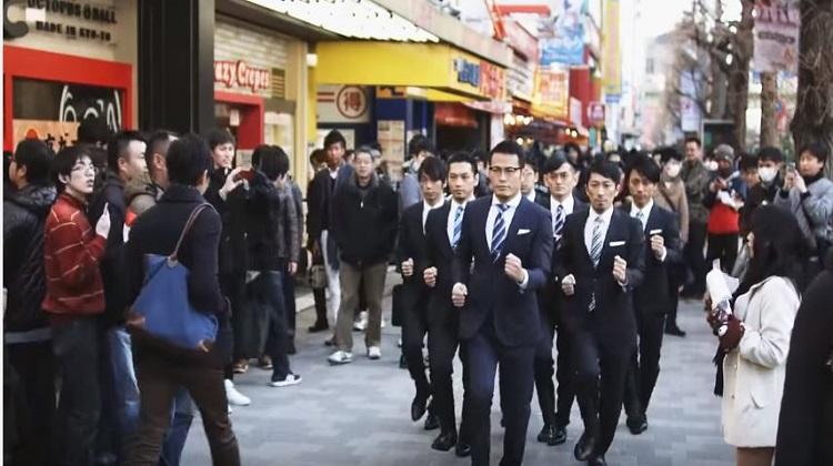 日本機械舞 挺帥的!!