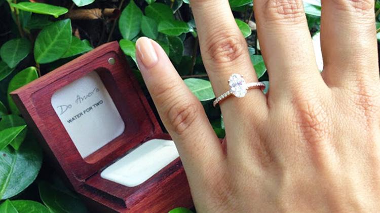 想要有與眾不同的求婚嗎?買只「道德鑽戒」,讓你的幸福帶給另一對情侶更好的人生