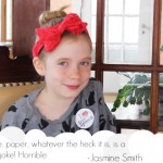 9歲女「記者」報導兇殺案,卻遭「酸民」批評:去玩洋娃娃...