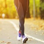 散步時加入這4招!鍛鍊骨骼、提升骨密度