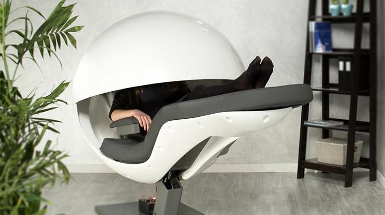 小盹怡情又養身的辦公室睡眠椅MetroNaps EnergyPod