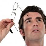 飛蚊症何時該治療? 醫:視網膜裂孔快修補