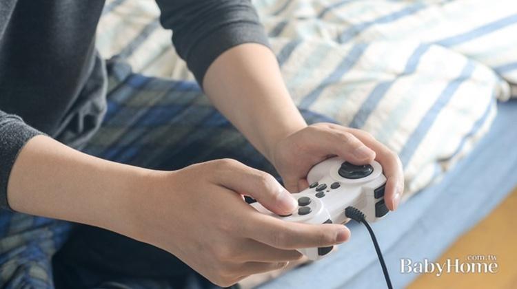 青少年沉迷線上遊戲 原來背後有這心理因素!4祕訣助爸媽破關