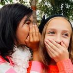 如何與9至12歲孩子談論秘密