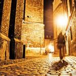 《走出迷霧》在黑暗中等待