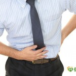反覆腹痛 青年竟已腸癌晚期!