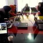 阿富汗第一所「女子程式」學校:這群學生從沒看過鍵盤 現在要用程式改寫中東女性的未來!