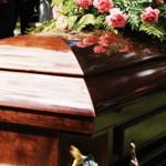 人們想被葬在冰冷的棺材,還是美麗的樹林裡?美國「綠色喪葬」讓亡者成為環境的守護者