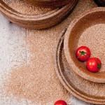 波蘭農夫研發可以吃的「麥麩餐盤」:全天然、30 天可分解,熱銷歐美 12 國