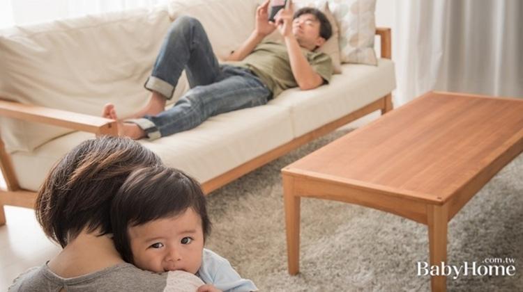 老公假日在家都做啥?網友媽:倒在那玩手機、打電動當死魚