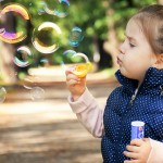 父母放下讓孩童玩樂後,孩子腦袋比電腦強!一切學習都是經由玩樂來的