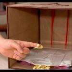 別懷疑,衣物可用「文件夾」分類收納再搭配整理箱、烙鐵架!