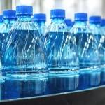 是否需要當心瓶裝水中的塑料微粒嗎?