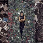 4100磅的電子垃圾藝術照
