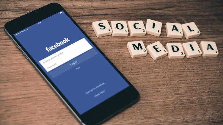 不但是媒體,還入侵電商與人力銀行!看臉書成功稱霸的 4 大關鍵