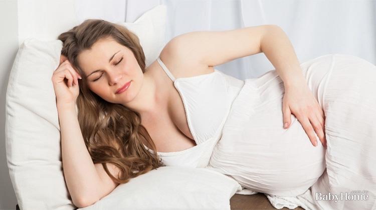 別數羊了!簡單7招幫助孕婦一夜好眠