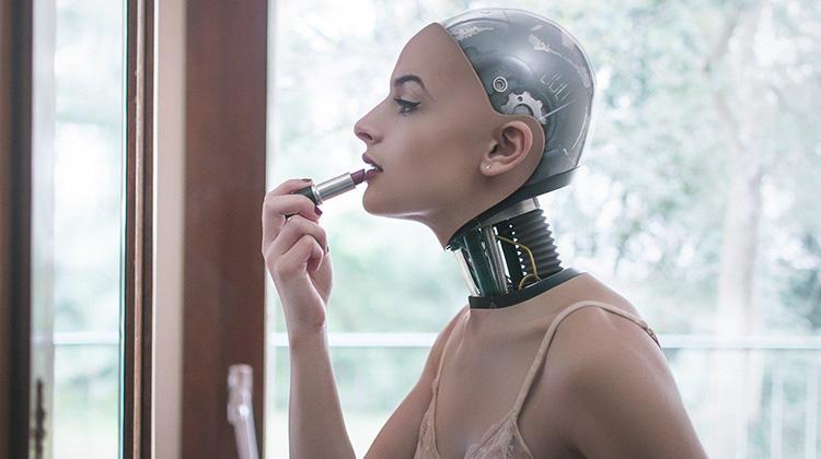 驚悚的機器人日常生活照