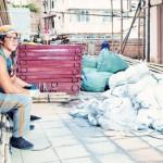 工地蜘蛛俠出沒 垃圾山中建聖殿──香港搭棚師傅卓永坤的生命故事