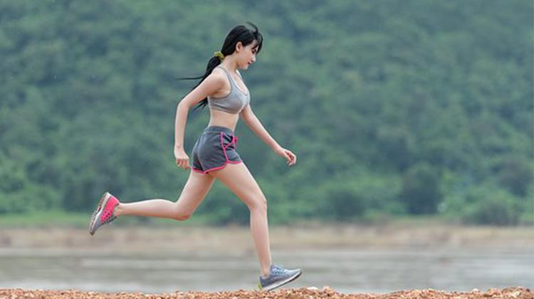 跑步時別忘了換上運動內衣