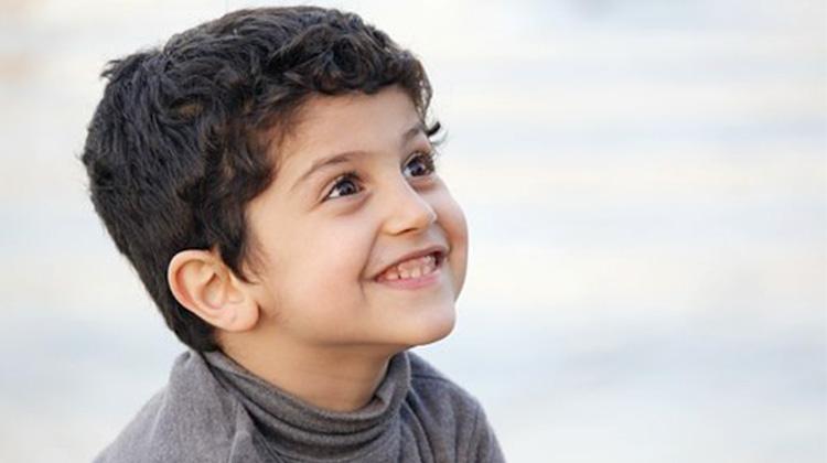 英7歲男孩YouTube賺7億台幣