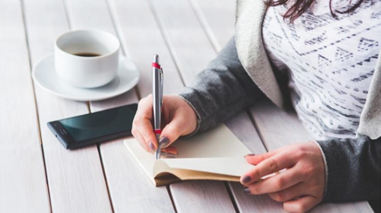 零碎時間就足夠!6 件每天都能做的「質感小事」讓你情緒更積極、大腦更靈活