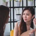 為什麼「當好人」卻沒有好人緣?心理學: 3 種「社交盲點」會讓人與人際魅力絕緣