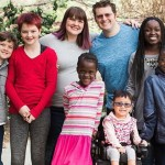 失去摯愛的37歲丈夫 她帶著2個親生、4個領養的孩子仍然懷抱希望