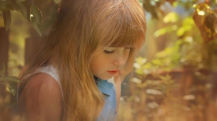 想知道孩子為什麼不開心?心理師給爸媽6溝通技巧,陪孩子面對負面情緒