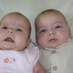 73歲印度高齡婦成功產下雙胞胎女