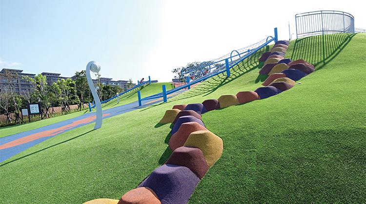 超長滑草道+超長溜滑梯親子公園!帶小孩來這裡,保證大人小孩都玩到不想回家!