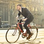 英投入台幣94億興建自行車道和電動滑板車