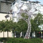 太陽能樹可以充電並且上網
