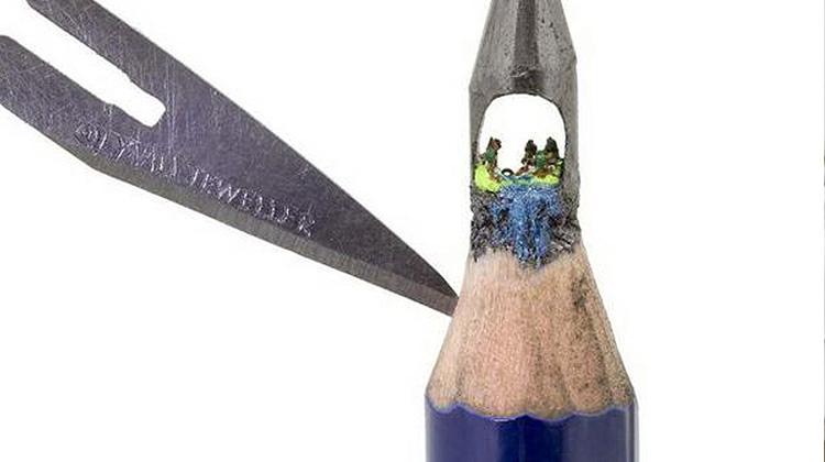 不可思議的筆尖世界,鉛筆墨芯中的小小村莊!