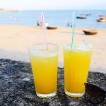 兩瓶飲料的美好風景