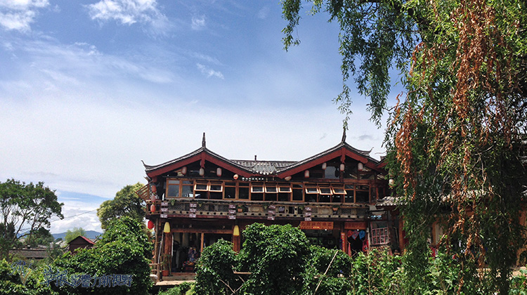 束河,自然養育的古城