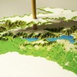 依照等高線層層堆疊,手作富士山紙片模型 Yamatsumi