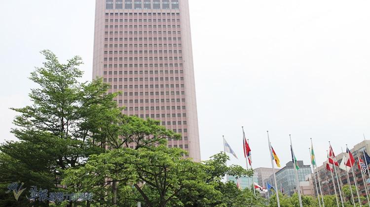 國泰台大團隊預估2016年GDP為2.4%
