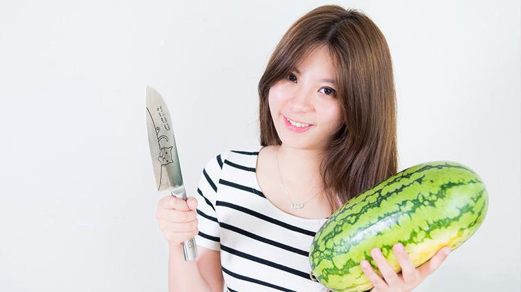超簡單!只要兩刀,輕鬆切出招待客人專用的「漂亮無籽西瓜」!