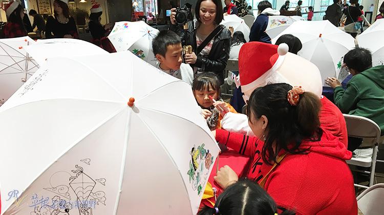 企業扮聖誕老公公 幫弱勢孩童圓夢