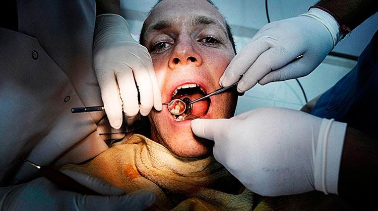 台灣植牙也有「痛苦指數」:一顆牙4萬元起跳,要工作1250小時
