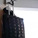 可以壓的扁扁的行李箱