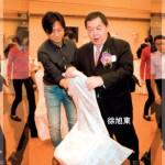 徐旭東悶爆了 自己搬椅子要「被採訪」
