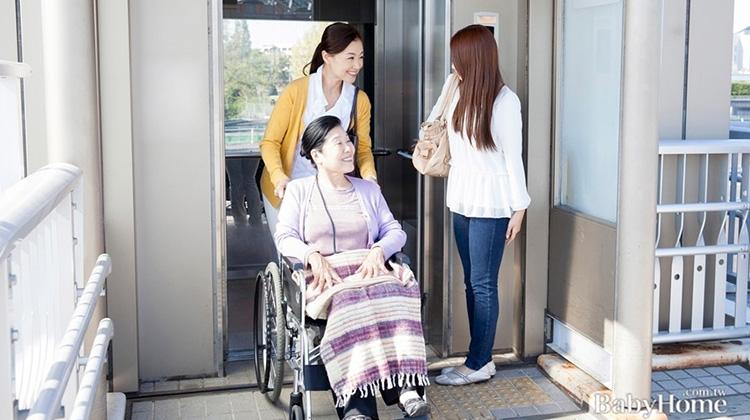 替長輩膝蓋歡呼!老宅增設電梯也有補助!