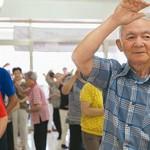 鈴木隆雄:阻止失能仍不夠,更要預防「老年症」