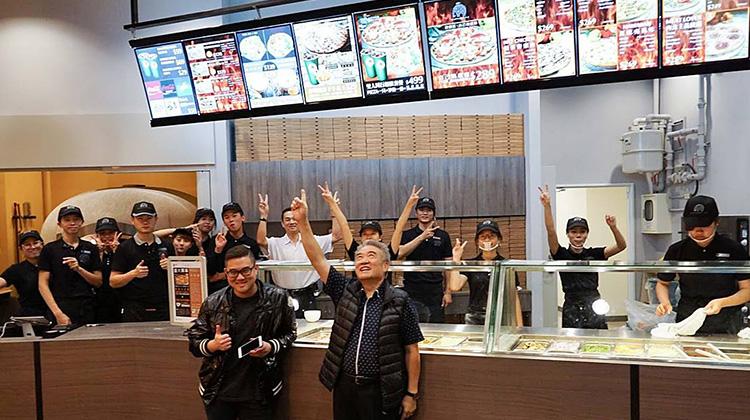 美國退休後的他 賣了房子、放棄海外神學課業 也要回台灣賣披薩