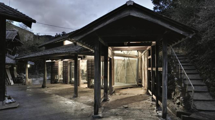 「老屋注入新靈魂」:日本建築師欲復興城鎮,改造舊房吸引青年進駐