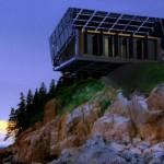 毫不浪費太陽能!這棟隨陽光轉動的「追日屋」,能產生房子所需5倍電力