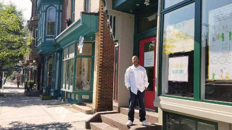 美版「愛心待用店」:這家咖啡廳集結客人之力,讓社區弱勢享受美味餐點